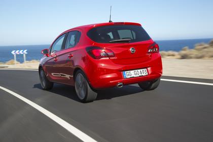 Opel Corsa E 5Türer  Aussenansicht Heck schräg dynamisch rot