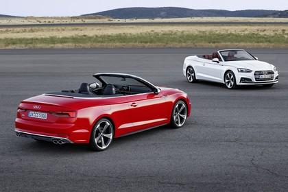 Audi S5 A5 Cabriolet Aussenansicht Heck Front schräg statisch rot weiss