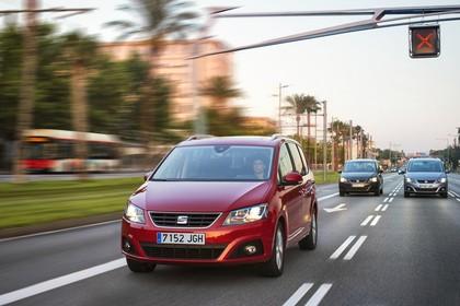 SEAT Alhambra 7N Front schräg dynamisch rot
