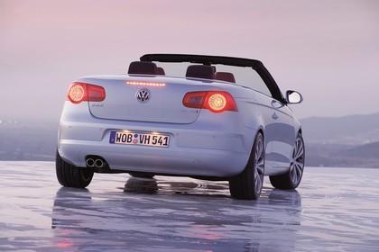 VW Eos 1F Facelift Aussenansicht Heck schräg statisch silber