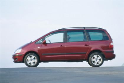 Ford Galaxy MK1 Aussenansicht Seite statisch rot