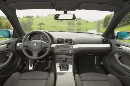 BMW 3er Limousine E46 LCI Innenansicht statisch Vordersitze und Armaturenbrett