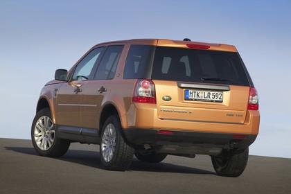 Land Rover Freelander 2 LF Aussenansicht Heck schräg statisch orange