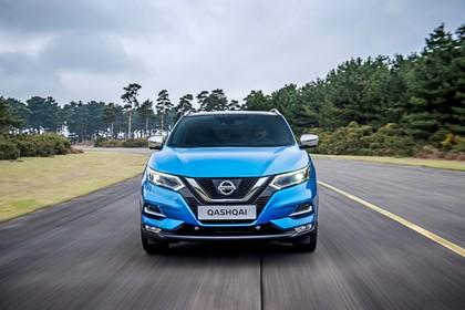 Nissan Qashqai J11 FL Aussenansicht Front dynamisch blau
