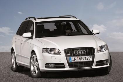 Audi A4 Avant B7 Aussenansicht Front statisch silber