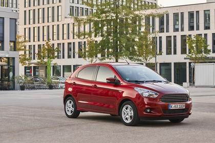 Ford KA+ Front schräg statisch rot
