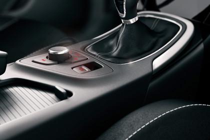 Opel Insignia A Innenansicht Detail Mittelkonsole statisch schwarz