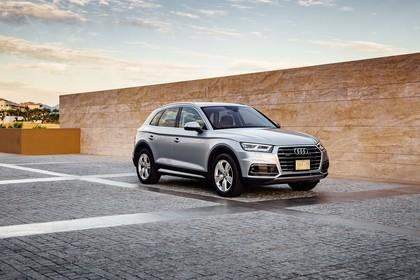 Audi Q5 FY Aussenansicht Front schräg statisch silber