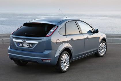 Ford Focus MK2 Aussenansicht Heck schräg statisch grau