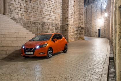 Nissan Micra K14 Aussenansicht Front schräg statisch orange