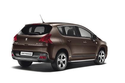 Peugeot 3008 Aussenansicht Heck schräg statisch braun