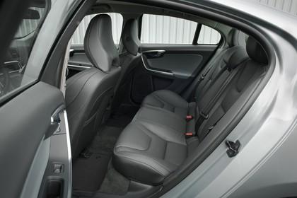 Volvo S60 F Innenansicht statisch Rücksitze