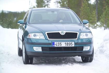 Skoda Octavia 1Z Combi Aussenansicht Front dynamisch blau