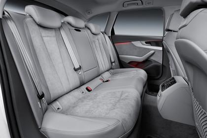 Audi A4 allroad quattro Innenansicht Rücksitzbank Studio statisch grau