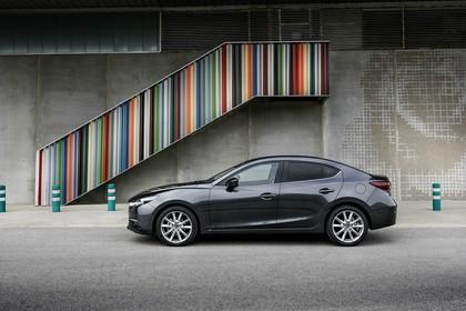 Mazda 3 BM Viertürer Aussenansicht Seite statisch grau
