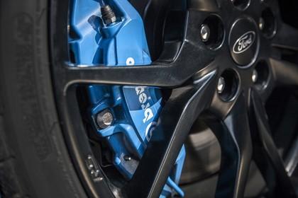 Ford Focus RS DYB-RS Aussenansicht Seite schräg statisch Detail Felge und Bremsanlage
