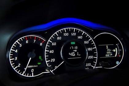 Nissan Note E12 Innenansicht statisch Detail Armaturenbrett