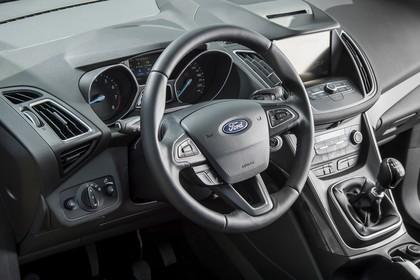 Ford C-MAX Innenansicht Armaturenbrett