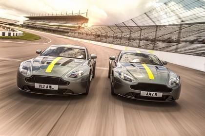 Aston Martin Vantage VH Aussenansicht Front dynamisch grau