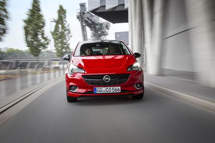 Opel Corsa E 5Türer  Aussenansicht Front dynamisch rot