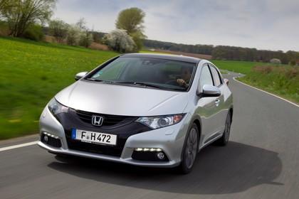 Honda Civic 9 Fünftürer Aussenansicht Front schräg dynamisch silber