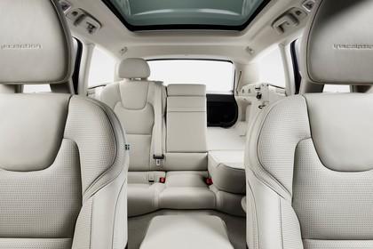 Volvo V90 P Innenansicht statisch Studio Vordersitze Rücksitze und Kofferraum Rücksitze 1/3 umgeklappt