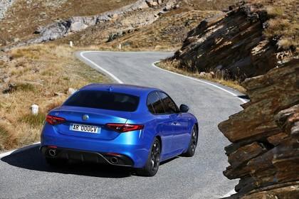 Alfa Romeo Giulia ZAR 952 Aussenansicht Heck schräg statisch blau