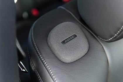 Infiniti Q70 Innenansicht statisch Bose Premium Surround Sound System Sitzlautsprecher