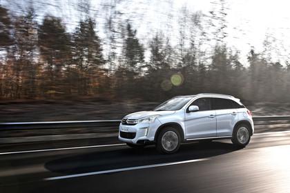 Citroën C4 Aircross B Aussenansicht Seite schräg dynamisch weiss