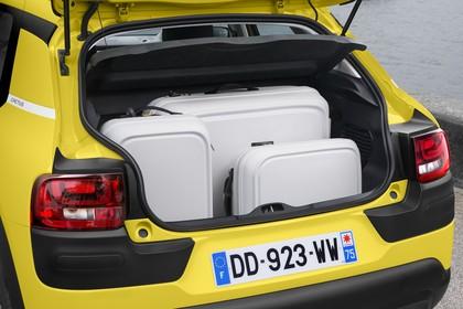 Citroën C4 Cactus Aussenansicht Heck schräg statisch gelb Heckklappe geöffnet