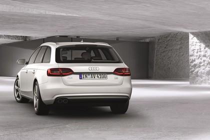 Audi A4 B8 Avant Facelift Aussenansicht Heck schräg statisch weiss