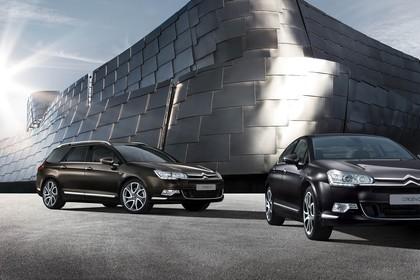 Citroën C5 und C5 Tourer R Aussenansicht Front schräg statisch braun schwarz