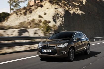 Citroën DS4 Aussenansicht Front schräg dynamisch braun