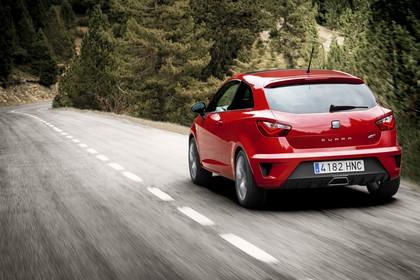 SEAT Ibiza Cupra 6P Heck schräg dynamisch rot