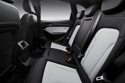 Audi SQ5 8R Innenansicht Rücksitzbank Studio statisch schwarz weiss