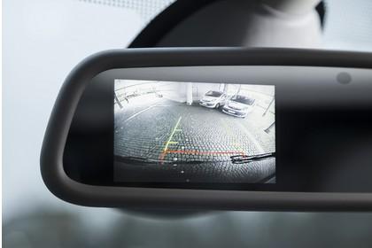 Opel Vivaro Kombi X82 Innenansicht statisch Detail Rückfahrkamera