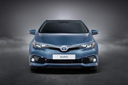 Toyota Auris Hybrid Schrägheck E18 Aussenansicht Front statisch Studio blau