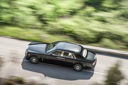 Rolls-Royce Phantom Aussenansicht Seite schräg dynamisch schwarz