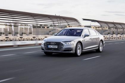 Audi A8 4N Aussenansicht Front schräg dynamisch silber