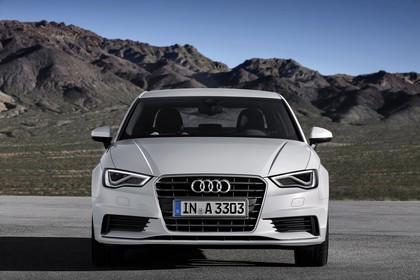 Audi A3 8V Limousine Aussenansicht Front statisch weiss
