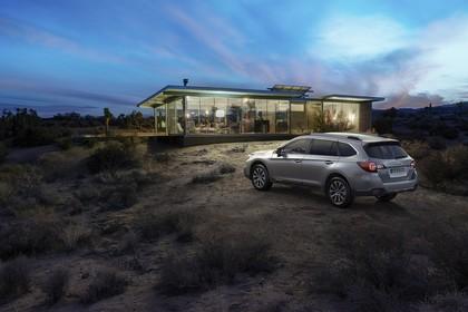 Subaru Outback Aussenansicht Seite schräg statisch grau
