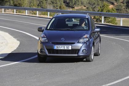 Renault Clio Grandtour R Facelift Aussenansicht Front schräg dynamisch grau