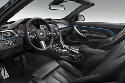 BMW 4er Cabrio F33 Innenansicht Fahrerposition Studio statisch schwarz