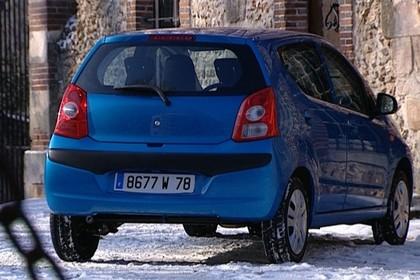 Nissan Piso HF Aussenansicht Heck schräg statisch blau