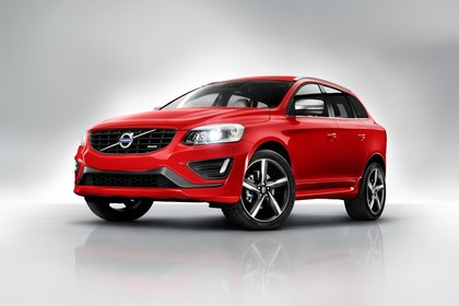 Volvo XC60 (D) Aussenansicht Front schräg statisch rot