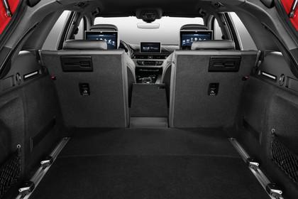 Audi A4 B9 Avant Innenansicht Kofferraum offen Studio statisch hellgrau