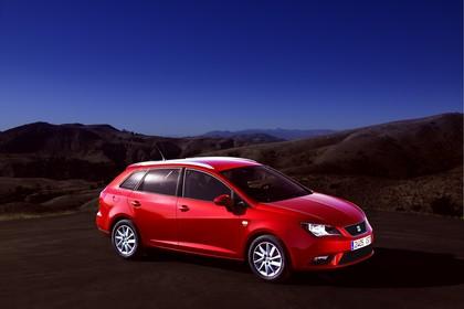 SEAT Ibiza ST 6P Front schräg statisch rot