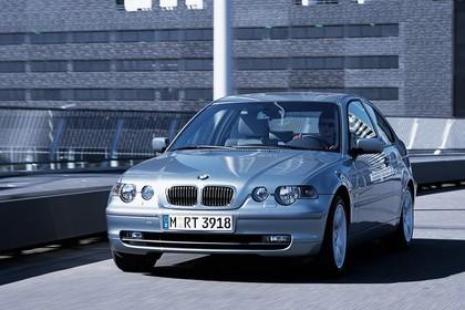 BMW 3er Compact E46 Aussenansicht Front schräg dynamisch silber