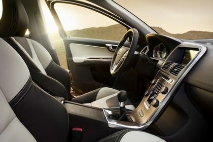 Volvo XC60 (D) Innenansicht Datail Armaturenbrett und Fahrersitz statisch