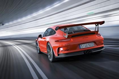 Porsche 911 GT3 RS 991.2 Aussenansicht Heck schräg dynamisch rot